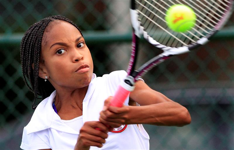 10/19/16 Daily Southtown - Freshman Ashley Meeky makes tennis history for Southland Prep